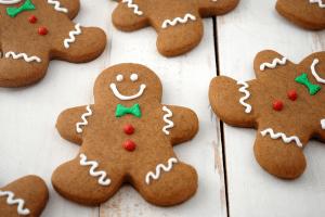 stylish-christmas-cookie-baking
